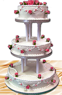 roiund 3 tier wedding cake